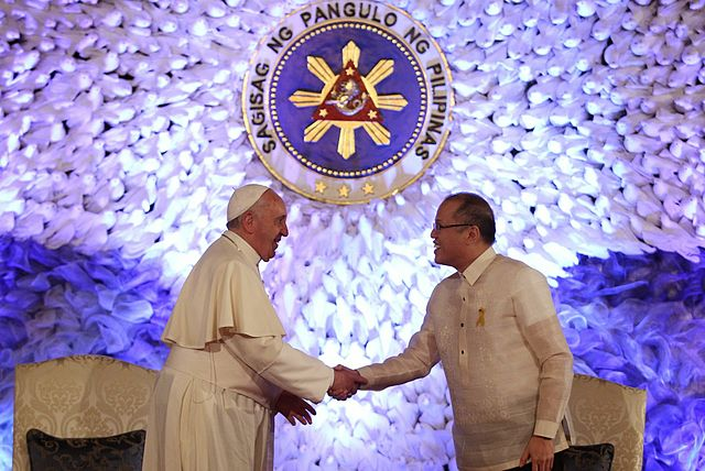 640px-Pope_Francis_Malacanang_51