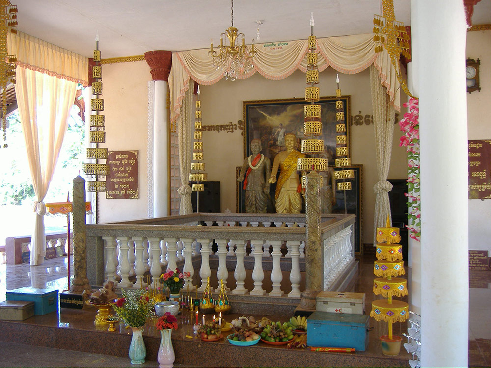 """Khleang Muang Shrine, Pursat"" (Photo: Anne Guillou, 2007)"