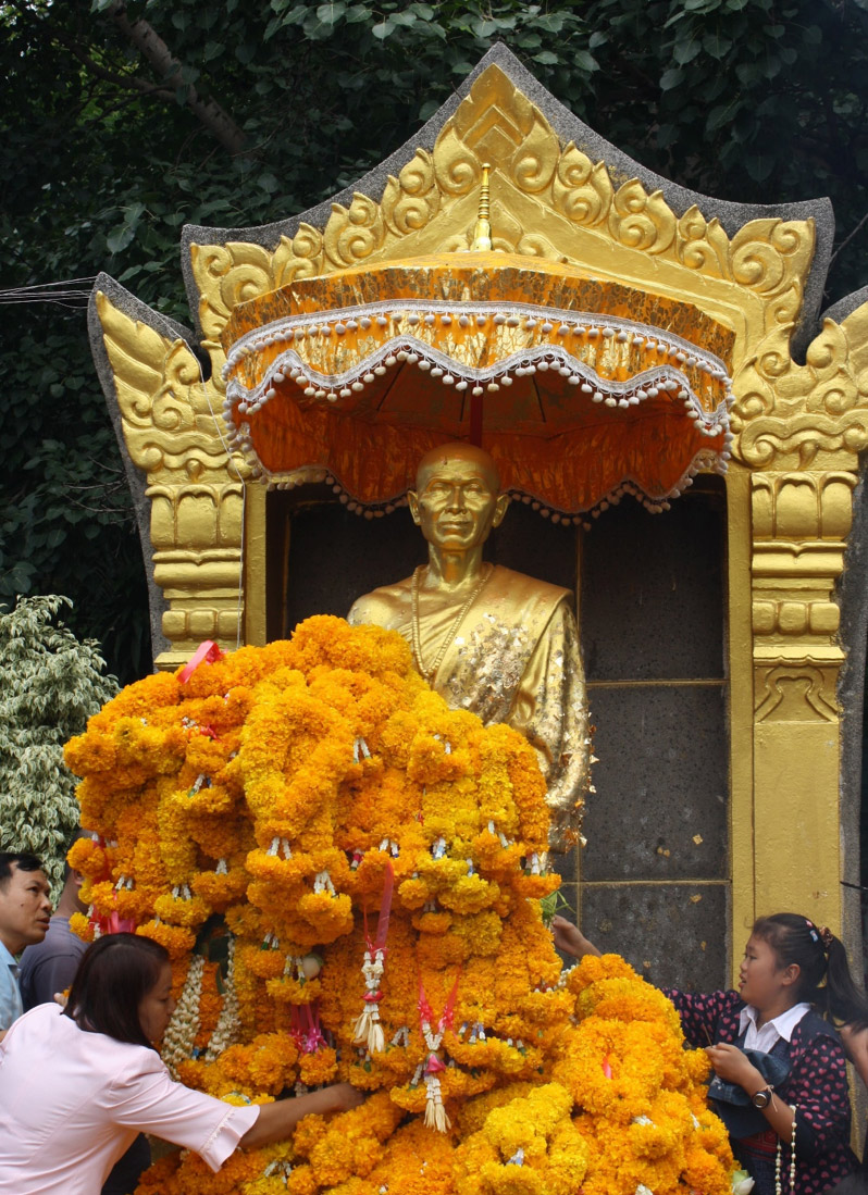 Khruba Sriwichai Monument, Chiang Mai  (Photo by Taylor Easum, 2009)