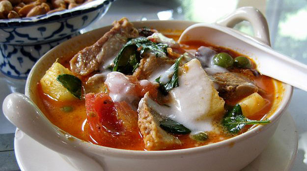 Red_roast_duck_curry