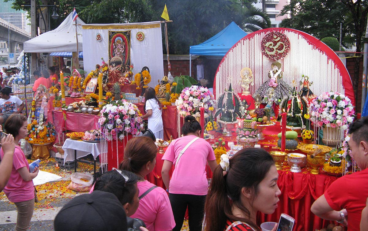 Temporary altars along procession route on final night of Navaratri