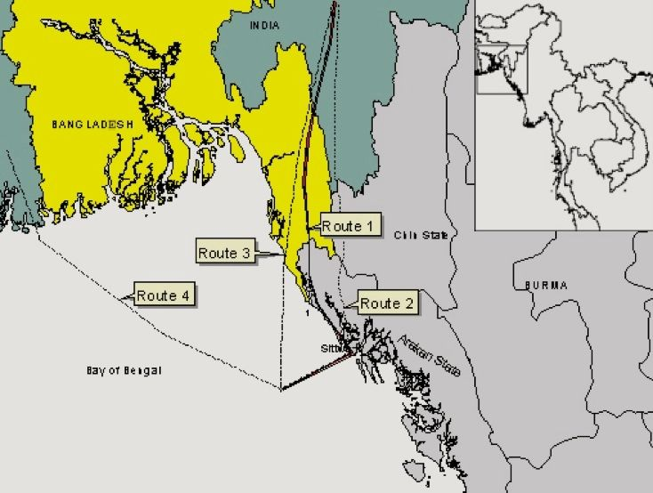 Map 5: Four gas pipeline routes from the Shwe gas field off the Burma coast  being discussed by the India, Bangladesh and Burma authorities in 2005.  Source: http://www.earthrights.org/burma/final-shwe-map.jpg